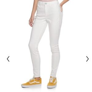 SO High Rise Ultimate Jegging White 5